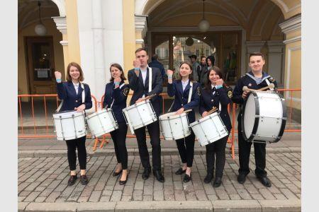 Коллектив барабанщиков ГУМРФ – в массовом шоу ко Дню Санкт-Петербурга