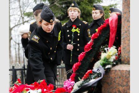 Митинг ко Дню прорыва блокады Ленинграда не оставил равнодушными юных макаровцев из Стрельны