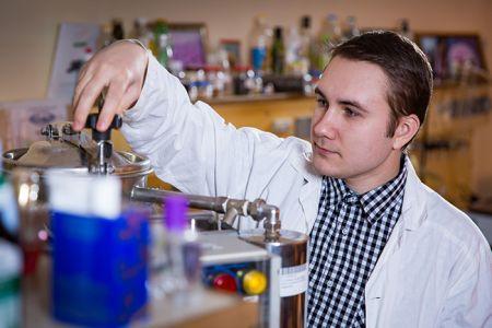 Ученые Крымского федерального университета нашли способ ускорить производство эфирных масел