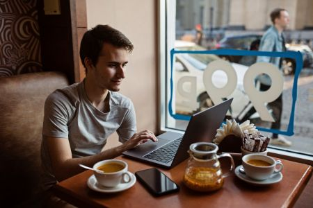 Студент Макаровки через участие в олимпиадах повышает свои навыки программиста